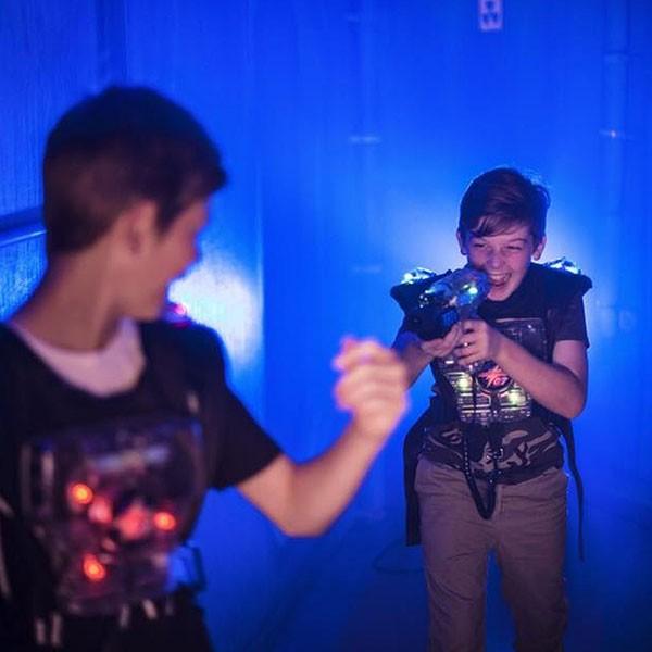Laserzone Kindergeburtstag lasertag_spiel-1