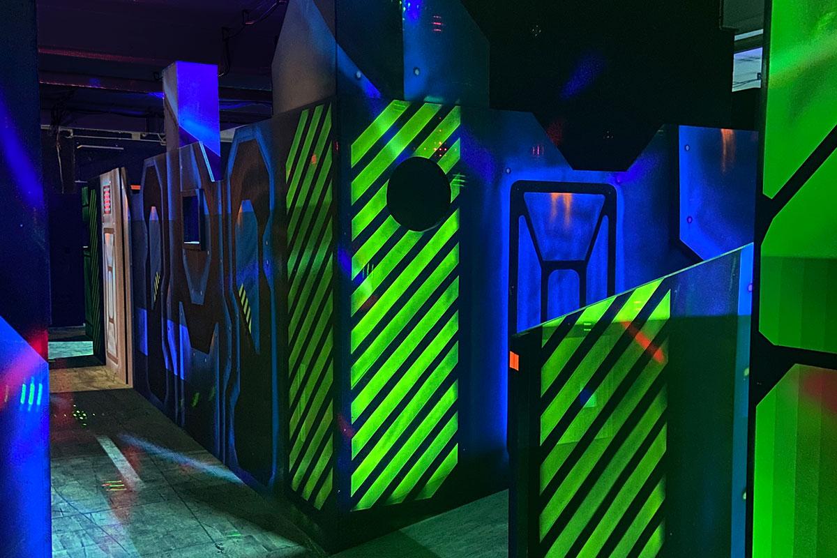Laserzone Kindergeburtstag laserzone_duisburg_lasertag_arena_1200x800_08