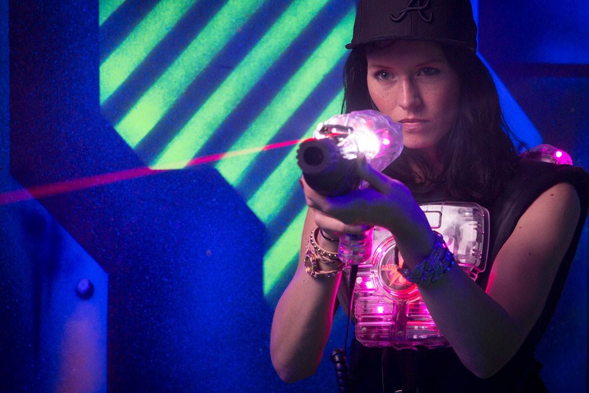 Lasertag Essen Borbeck laserzone_essen_borbeck_taggerin_sg