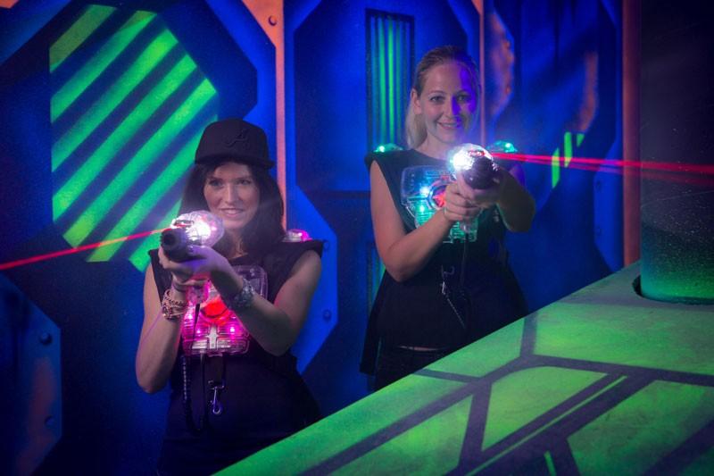 LaserTag Sonderpreis für Bewohner von Gelsenkirchen laserzone_lasertag_action2