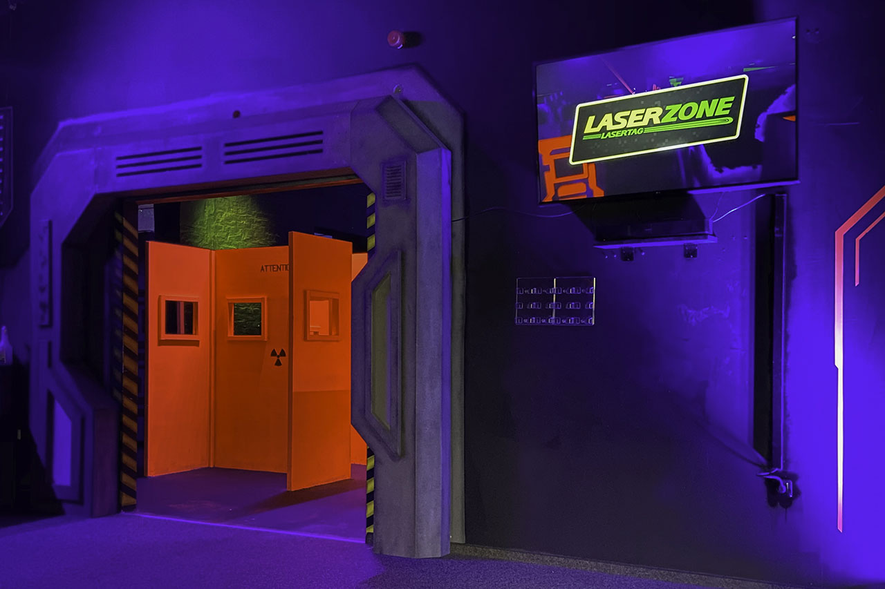 Lasertag Mönchengladbach laserzone_moenchengladbach_lasertag_arena_eingang