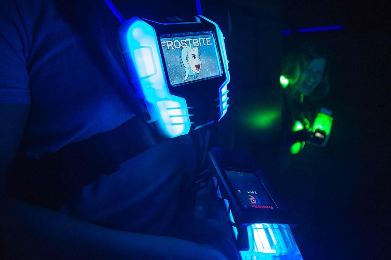 Erwachsenengeburtstag Mönchengladbach laserzone_moenchengladbach_lasertag_weste_wide_01
